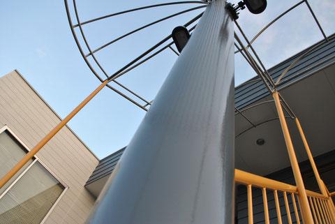 鉄製柱を接写で撮影。