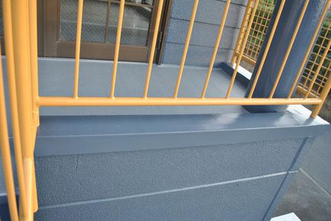 熊本市Y事務所様屋根塗装・外壁塗装完成。笠木の修繕後おしゃれダークグレーにて塗装しました。