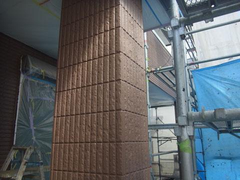 熊本市S様家の外壁塗装及び屋根塗装時に撮影しました。外壁のブラウン複数色を使用した塗装です。