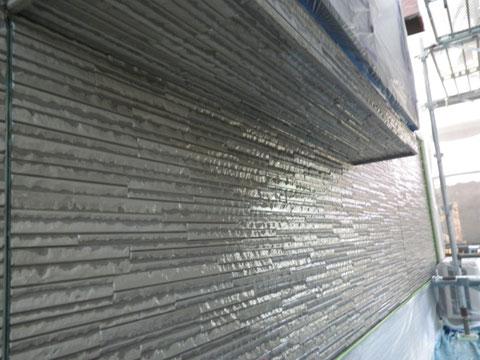 熊本市N様家の外壁塗装及び屋根塗装時。模様付き外壁サイディングのクリアー保護塗装完成。