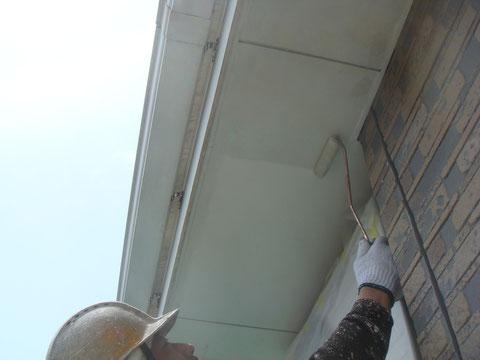 軒天プライマー塗装状況