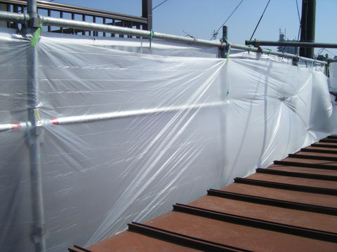熊本T様邸塗料・研磨屑飛散防止対策養生完了。