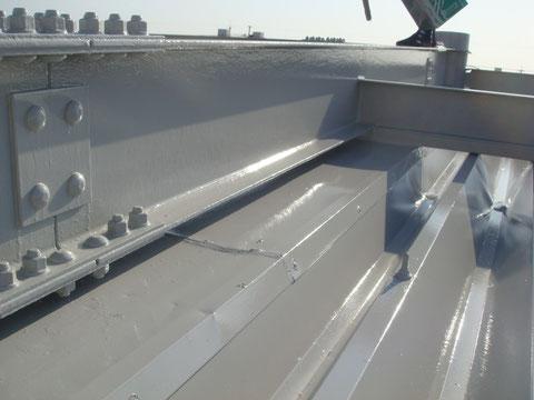 折半屋根や外壁 倉庫の塗り替えは熊本の㈲岩津塗装まで!