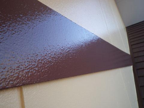 熊本市N様家。帯板塗装完成を接写で撮影。