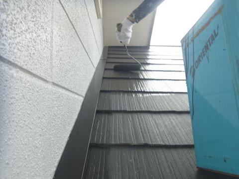 熊本県熊本市東区〇様邸 屋根の塗り替え状況 中塗り中