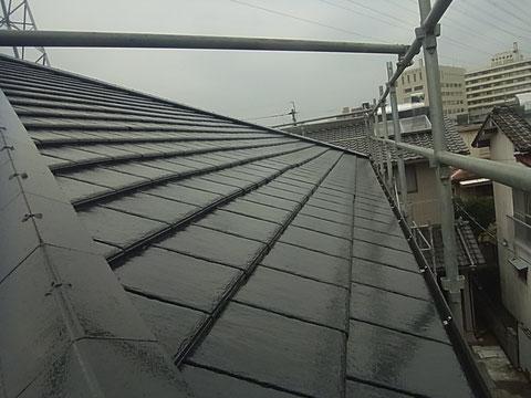熊本市東区K様家外壁塗装及び屋根塗装時撮影。セメント瓦塗装完成。ブラック系カラー使用。