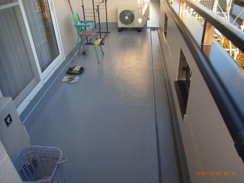 熊本T様邸のベランダ床防水塗装完成。