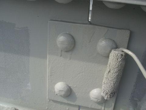 カンペのエポキシ錆止め塗装中