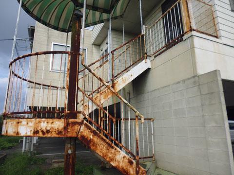 鉄骨階段塗装前。BEFORE