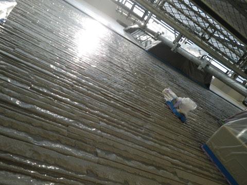 熊本市N様家のクリアー外壁塗装完成です。下から撮影。