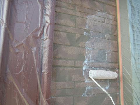 熊本〇様家 外壁塗装工事。外壁プライマー中です。