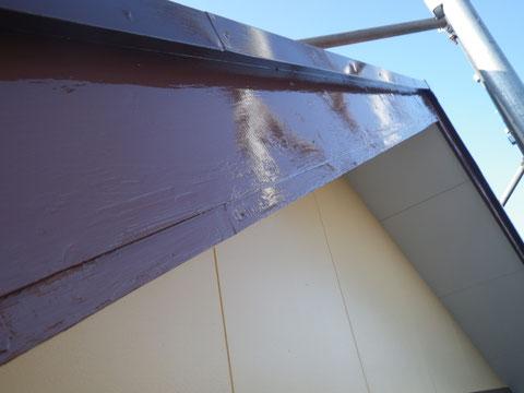 腐食していた木部 劣化部分も目立たなくなり木部が蘇りました^^使用塗料は関西ペイント 高耐久シリコン塗料。