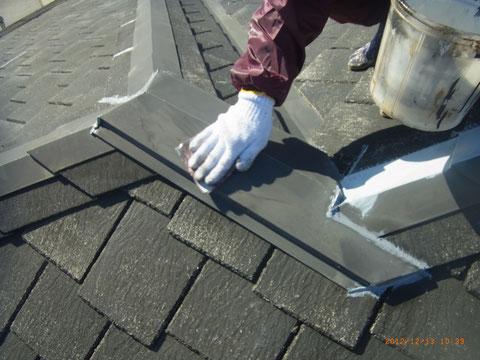 ケレン後、屋根錆止め塗装