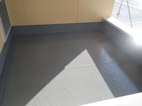 熊本N様家。床(FRP)を防水トップ仕上げ完成。
