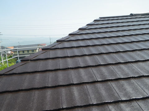 屋根ブラウン色に塗装完成