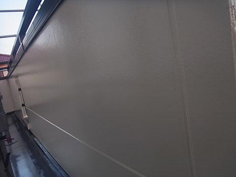 熊本I様邸 屋根塗装 外壁塗装状況。 ベランダ外壁塗装完成。ピカッと高耐久・防カビ塗料で塗り替え完成!