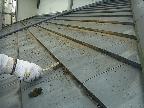 瓦屋根のコケケレン 熊本〇様宅塗装状況
