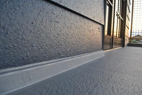 外壁塗装仕上がりを接写で撮影