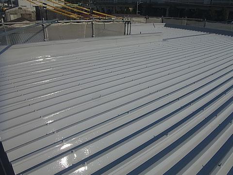 折板金属屋根塗装後は完成写真。