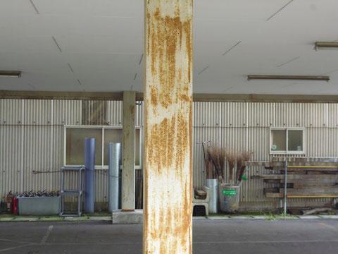 鉄骨柱塗装前。BEFORE