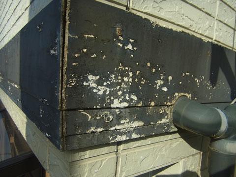 熊本の塗替え工事 帯部分が劣化し傷んでいる状態