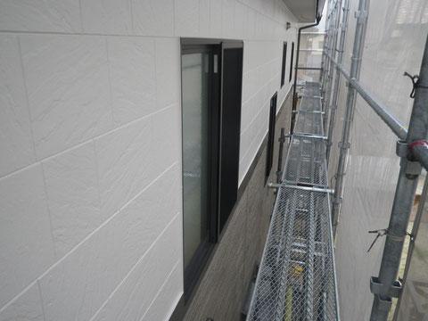 熊本市N様家の外壁塗装及び屋根塗装時。2階外壁塗装完成。高耐久樹脂塗料使用。