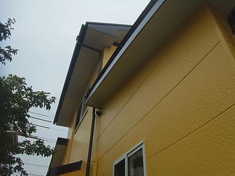 黄色で塗り替え。熊本のお家