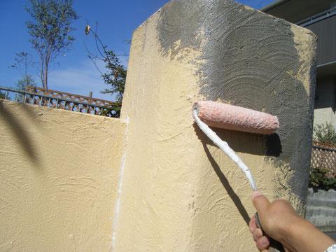 熊本H様邸 塀塗装 プライマー処理