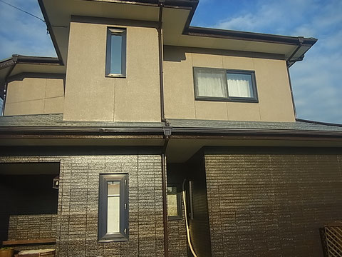 屋根塗装・外壁塗装AFTER モダンスタイル 熊本I様邸 F☆☆☆☆塗料使用しています。