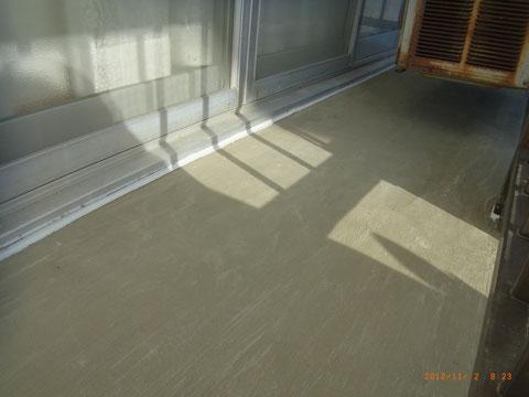 熊本県T様邸 ベランダ塗替え前の補修