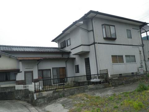 熊本I様家の外壁塗装と屋根塗装前です。