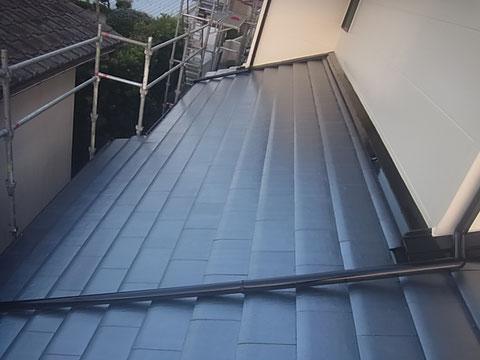 瓦屋根塗装完成。