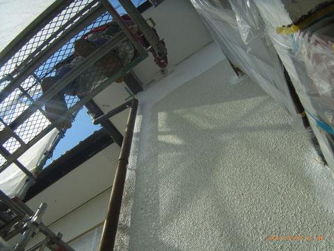 熊本県T様邸外壁防水塗装状況 複層弾性防水塗装