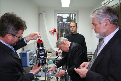 Ogled razvoja in proizvodnje  merilnikov - Foto: Z. Simon