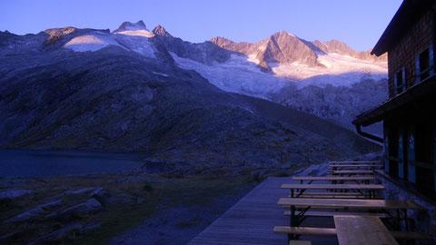 Gletscherberge und Schutzhütten