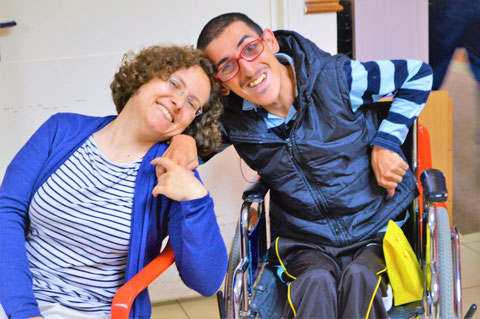 Fraternité franciscaine- Jeune handicapé et marraine