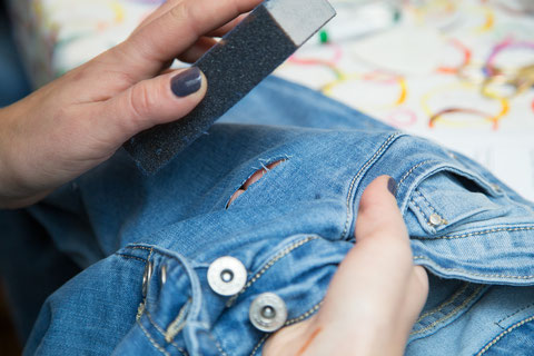 Diy Ripped Jeans Selber Machen Anleitung Diy Jeans