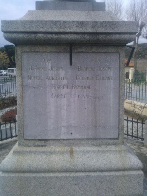 Monument aux morts de Latour de France avec le nom de Barde