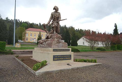 Le monument installé à Epinal collection anciens de Mostaganem