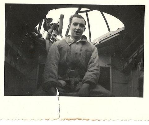 Edouard Joumas sur Bloch 200 ou 210 dans la  tourelle de mitrailleur pèriode 1939- mai 1940