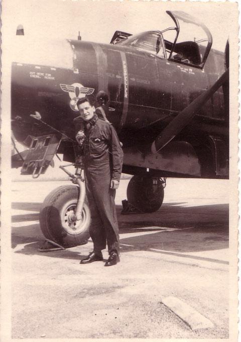 Robert Dumas sergent mécanicien navigant sur B26 Invader en 1957 à Oran au GB 2/91 Guyenne ...