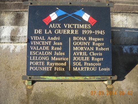 La plaque 39-45 avec le nom de Martrou