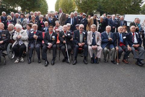 Les anciens lors de la cérémonie à Mérignac en octobre 2015