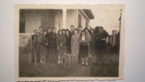 Guy Bourreau ( dernier à droite )à El  Arba villa les Glycines au Maroc  en 1942
