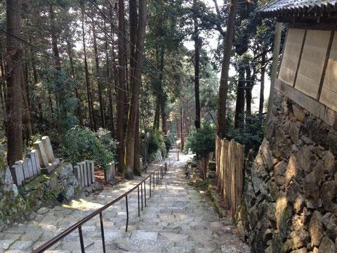 長命寺の参道