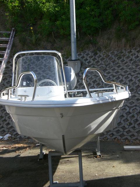 Unser Motorboot vor der Auslieferung.
