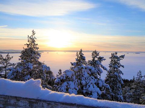 Winterlandschaft See Finnland