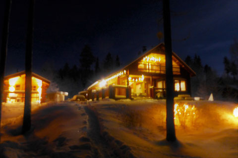 Winter Finnland Nacht Blockhaus