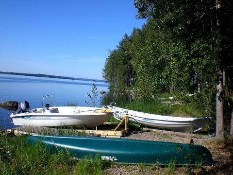 """Fahren Sie mit einem unserer 3 Boote in die weitläufigen Inselwelten des großen Archipels und Naturschutzgebietes """"Päijänne See Nationalpark"""". Fast immer sind Sie """"alleine"""" auf dem riesigen See."""