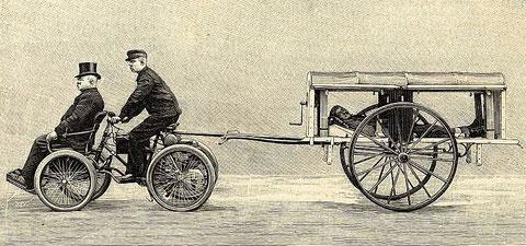 je vous jure que c'est vrai!! cette gravure date de 1897 et c'est une ambulance véridique! même si on croirait plus à un corbillard qu'autre chose! O.O